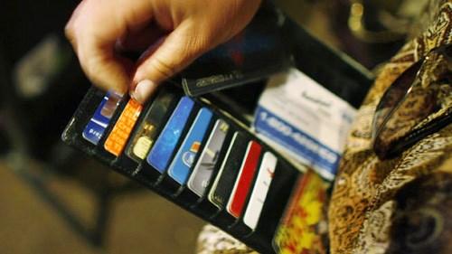 Việt Nam chỉ có khoảng 30% dân sử dụng tài khoản ngân hàng